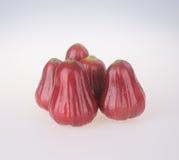 Розовое Яблоко розовое яблоко на предпосылке Стоковая Фотография RF
