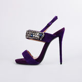 Розовые ботинки над серым цветом Стоковое Изображение RF