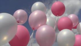 Розовые и белые воздушные шары на потоках тряся ветер против неба и облаков акции видеоматериалы