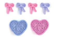 Розовые и голубые сердца и смычки Стоковые Изображения RF