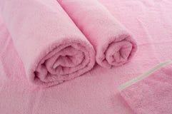 Розовые мягкие полотенца Стоковые Изображения