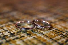 Розовые обручальные кольца или диапазоны золота Стоковое Фото