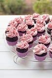 Розовые пирожня ливня младенца стоковые фотографии rf