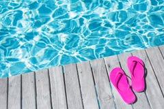 Розовые темповые сальто сальто бассейном Стоковая Фотография RF