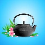 Розовые цветки и чайник Стоковое Изображение