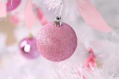 Розовые шарики рождества Стоковое Фото