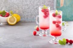 Розовый лимонад поленики в высокорослых стеклах Стоковое Фото