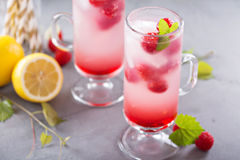 Розовый лимонад поленики в высокорослых стеклах Стоковое фото RF