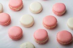 Розовый и белый macaroon Стоковая Фотография RF