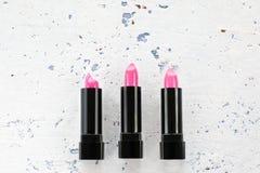 Розовый комплект губной помады, плоское положение, космос экземпляра Стоковое фото RF