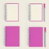 Розовый комплект тетради изолированный на белом пути предпосылки и клиппирования Стоковое Изображение RF