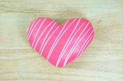 Розовый донут сердца Стоковые Изображения RF