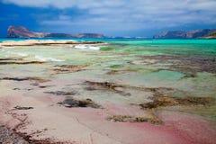 Розовый песок в лагуне Balos Стоковые Фотографии RF