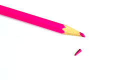 Розовый, покрашенный карандаш (сломанное руководство карандаша) Стоковое Фото