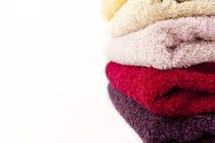 розовый пурпуровый красный желтый цвет полотенец Стоковые Фотографии RF
