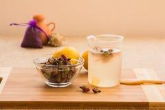 Розовый тонический комплект подготовки чая Стоковое Изображение