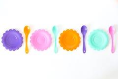 Розовый, фиолетовый, аквамарин, плиты цвета установите на белизну Стоковое Изображение