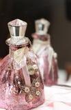 Розовый флакон духов с шкентелем Стоковые Изображения RF
