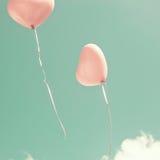 2 розовых в форме Сердц воздушного шара Стоковая Фотография RF