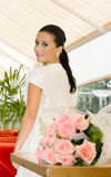 розы девушки невесты молодые стоковые фотографии rf
