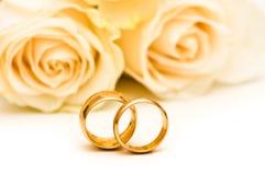 розы кольца wedding Стоковые Фото