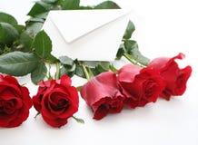 розы красного цвета письма стоковая фотография rf