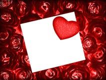 розы красного цвета сердца приветствию карточки предпосылки Стоковые Изображения