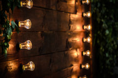 розы перлы приглашения украшения декора карточки boutonniere предпосылки wedding белизна Стоковое Фото