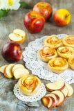 Розы яблока слойки форменные Стоковые Фото