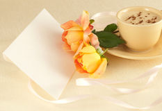 розы 2 кофейной чашки Стоковое Изображение