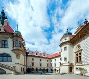 Рокируйте взгляд лета zamek Pruhonice или Pruhonicky (Прага, чехословакские) Стоковое Изображение