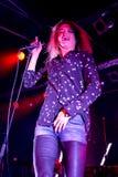 Рок-группа убийств выполняет в концерте на клубе Razzmatazz Стоковые Изображения RF