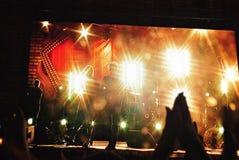 Рок-концерт и яркий свет Стоковые Изображения RF