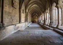 Романск уединяет церковь собора Trophime Святого в Arles Франция Провансаль стоковые фотографии rf