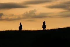 Романтичная езда horseback стоковые изображения rf