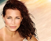 Романтичная женщина на пляже Стоковое фото RF