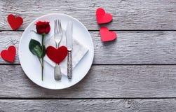 Романтичная концепция обедающего День валентинки или предпосылка предложения Стоковая Фотография RF