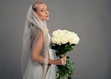 Романтичная невеста в платье свадьбы Стоковая Фотография RF