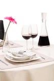Романтичная таблица с 2 стеклами вина Стоковая Фотография