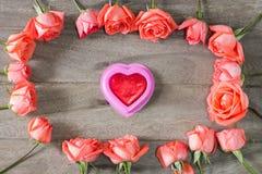 Романтичная флористическая предпосылка рамки Предпосылка дня Валентайн Стоковые Изображения RF
