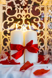 Романтичное декоративное горение миражирует праздник интерьера торжества Стоковые Изображения