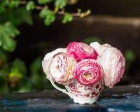 Романтичное bouqet в саде Стоковое Изображение
