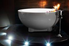 Романтичная ванна в jacuzzi Стоковая Фотография