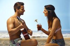 Романтичный вечер на пляже Стоковые Изображения RF