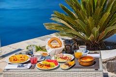 Романтичный завтрак для 2 Стоковая Фотография RF