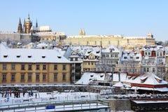 Романтичный замок Snowy Прага готский, чехословакский Стоковое Фото