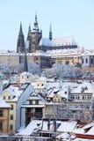 Романтичный замок Snowy Прага готский, чехословакский r Стоковое Фото