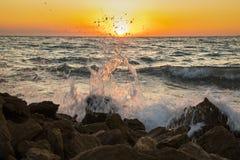 Романтичный заход солнца на тропическом пляже каникула территории лета katya krasnodar стоковая фотография