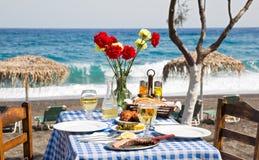 Романтичный обедающий на пляже Стоковые Фото
