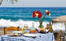 Романтичный обедающий на пляже Стоковая Фотография RF